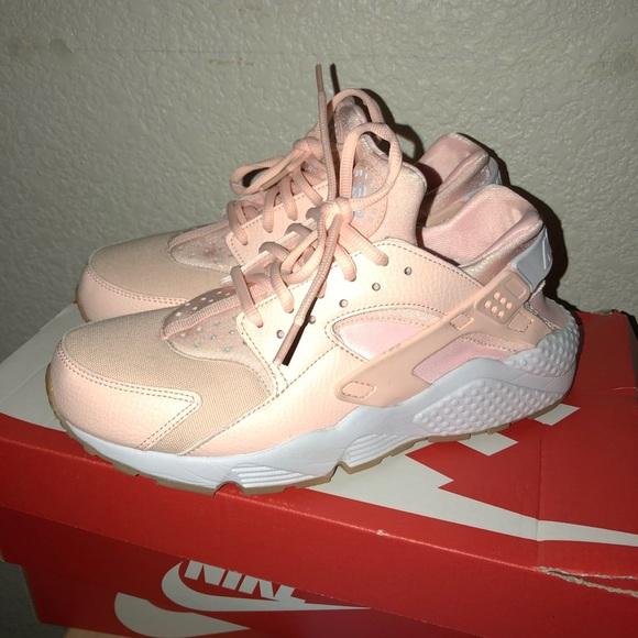 c5d294328fc1 Nike Huaraches . Light pink. M 5a530c0646aa7cc60601eda9